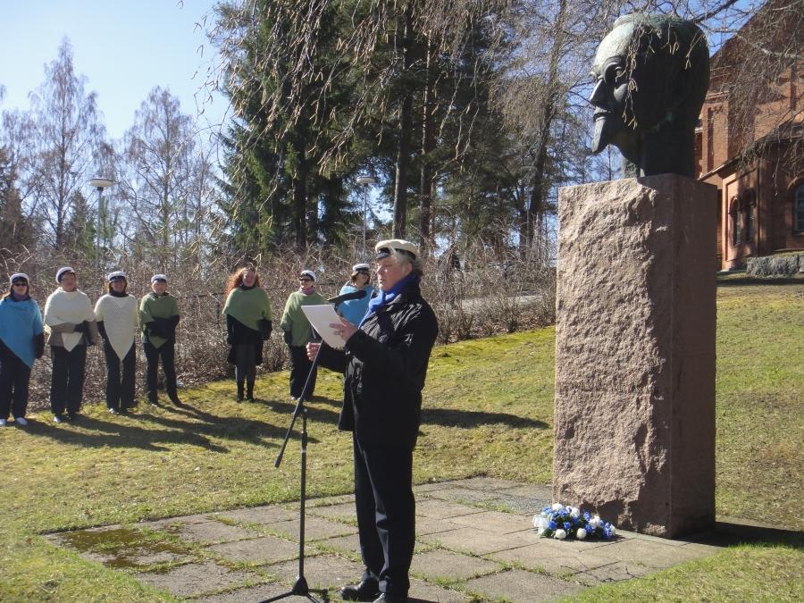 Ja puheen piti tänä vuonna Risto Nurmi joka kertoi ihastuttavalla tavallaan Lopen kauniista luonnosta.