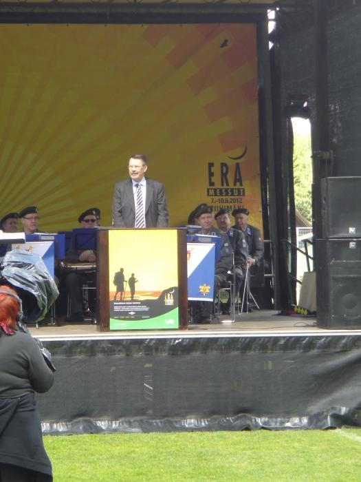 Riihimäen Messujen puheenjohtaja kaupunginjohtaja Seppo Keskiruokanen toivotti kaikki tervetulleiksi jälleen Riihimäelle.