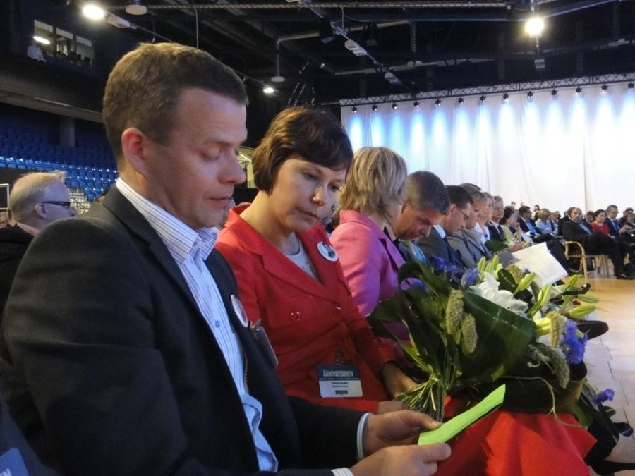 Ja tulos on tässä.... Jatkokaudelle Henna Virkkunen ja Anne-Mari Virolainen ja uudeksi varapuheenjohtajaksi valittiin Janne Sankelo.