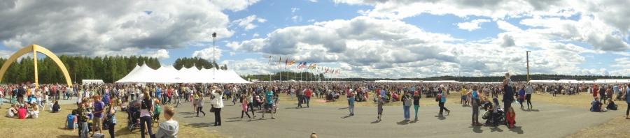 Suviseurojen avajaisissa 29.6.2012 Lopen Räyskälässä.