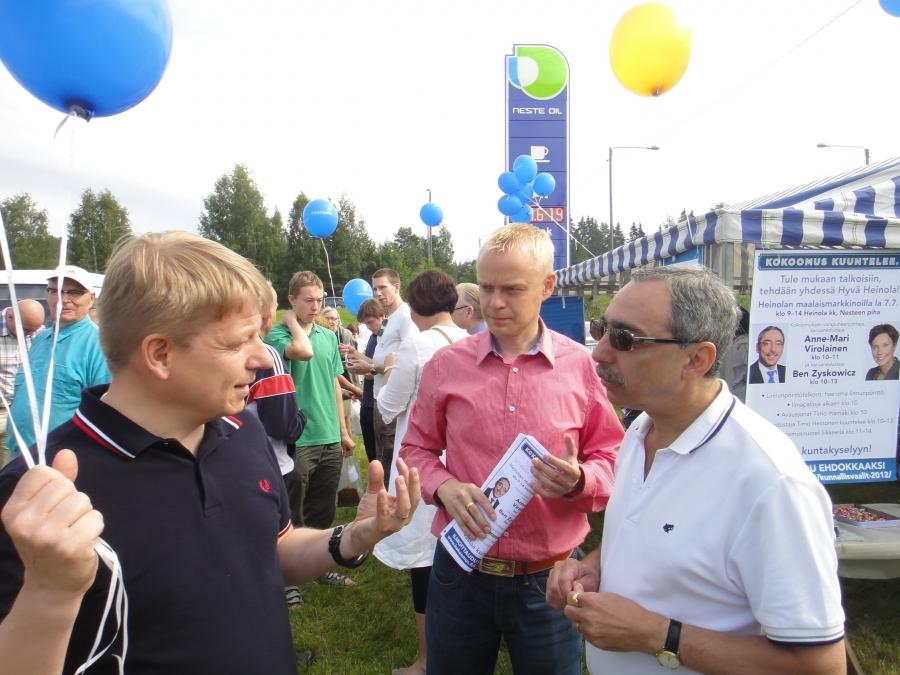 Benin ja Timon Kesärundia... Tässä Heinolan Maalaismarkkinoilla 7.7.2012 ja mukana myös Anne-Mari Virolainen.
