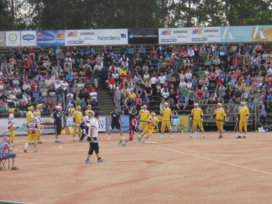 Hyvinkään Pihkalassa pelattiin tänään Plussa-peli Tahko-Joensuu.