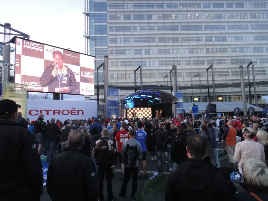 Neste Rally alkoi siis tänään aika-ajolla ja lähtöpaikkojen valinnalla. Tässä tunnelmia avauspäivältä.