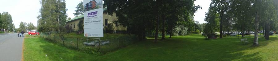 Tässä pari panoraama kuvaa kerrostalon miljööstä.