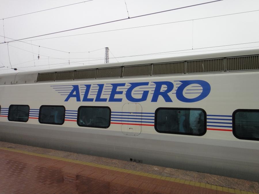 Kotimatka alkaa... Allegro kiihdyttää kohta 200km/h kohti Helsinkiä...