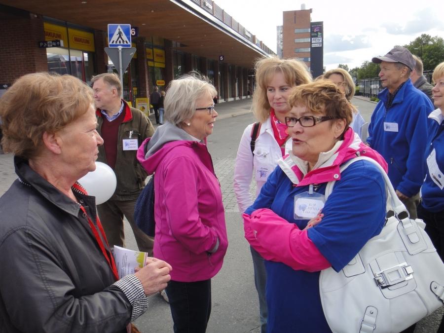 Ja sitten jututettavana pitkänlinjan tekijämme ja valtuutettumme sekä kaupunginhallituksen jäsen Eija Aittola.