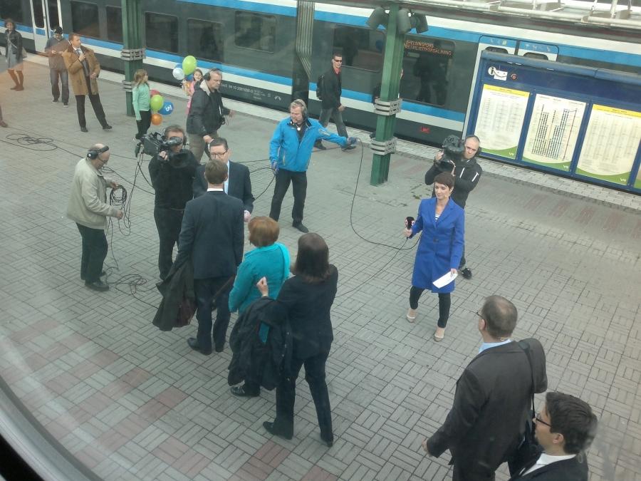 Maikkarin Kuntavaalitentti käyntiin... Pääministeri Jyrki Katainen ensimmäisenä haastateltavana.