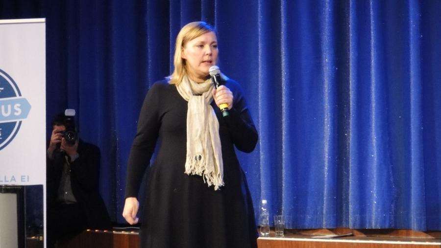 Taru Tujunen valittiin eilen 29.9.2012 jälleen kahdeksi vuodeksi