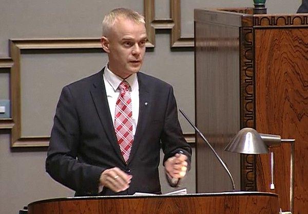 Tässä vielä suora linkki keskusteluun: Eduskunta tv. Keskustelussa aloitteeni alusta noin 1/3 kohdasta alkaen.