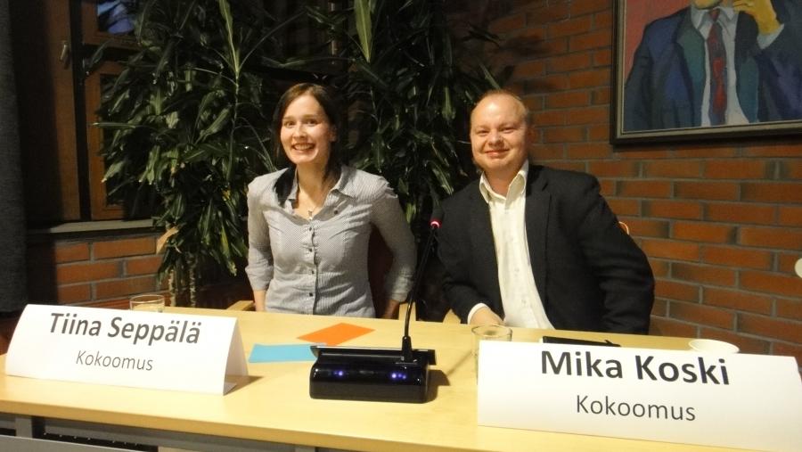 Ja sitten vielä Elävät kylät -hankkeen vaalipaneeliin yleisöksi. Meitä paneelissa edustivat Hunsalan kylän Tiina Seppälä ja Kormun kylän Mika Koski. Hei, saa olla innostunut!