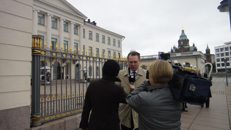 Ja keskustelujen jälkeen jatkoimme sitten takaisin eduskuntaan yhdessä puheenjohtaja Jussi Niinistön ja Ismo Soukolan kanssa. Talolla sitten heti perään ulkoasiainvaliokunnan kokous.