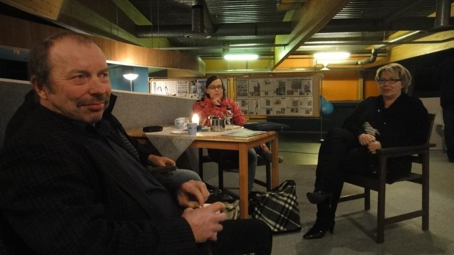 Ja tässä illalla kahvittelemassa olleita ehdokkaitamme eli Teija Lehto ja Tiina Seppälä sekä Kari Maunula.