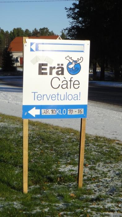Jo 7. kerran Lopen Topenolla järjestettiin vaalipäivänä EräKahvila. Tällä kertaa EräKahvila Korvana 28.10.2012. Kiitokset Sirkku-Riitta ja Reijo Tarkkalalle.  Aikanaan perinne alkoi 2006 Sauli Niinistön presidentinvaaleista ja sen jälkeen nokipannukahvia on tarjoiltu kahdesti uudestaan Niinistö EräCafena, kaksi kertaa Timo´s EräCoffeena ja pari kertaa kunnallisvaalien EräKahvila Korvanakin.