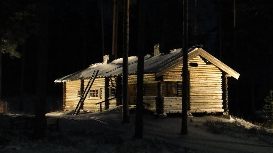 I Mannerheim Hirvijahti 1.12.2012 alkoi tällaisissa tunnelmissa aamulla Lopelta Marsalkka Mannerheimin Metsästysmajalta.