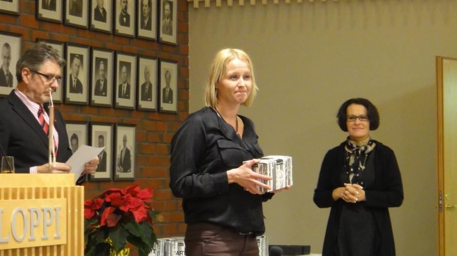 Saija Grönholm toimi neljä vuotta kuntamme kunnanhallituksen varapuheenjohtajana eli minun aisaparinani. Saijan tunnen ihmisenä pitkältä ajalta ja hänen kanssaan oli ja on jatkossakin helppo ja välitön hoitaa vaikeitakin asioita.