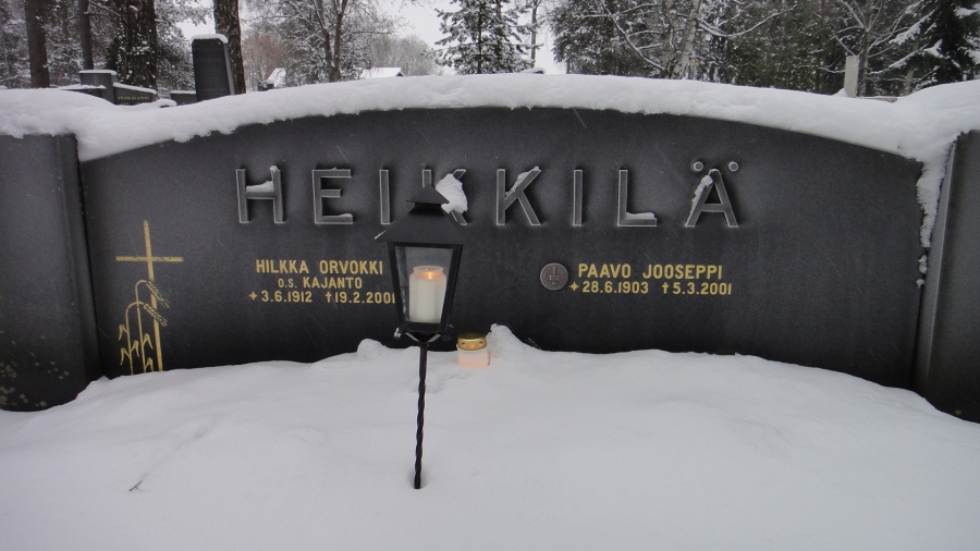 Ja tässä vaarini hauta joka oli mukana niin talvisodassa kuin jatkosodassakin ja näki myös veljessodan tapahtumat.