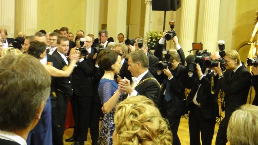 Ja Linnan isäntäpari Tasavallan Presidentti Sauli Niinistö ja Jenni Haukio keräsivät illan aikana valtavasti kehuja. Juhlat olivat todella onnistuneet.