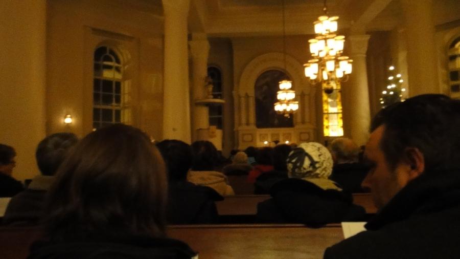 Timotein Jouluyön laulut vetivät Lopen kirkon jälleen täyteen jouluna.