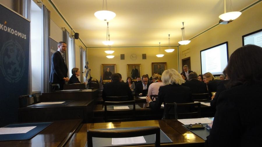 Tästä se päivä alkoi. Petteri Orpo valittiin yksimielisesti kuten muukin ryhmäjohto jatkamaan eduskuntamme kärjessä. Erinomainen joukkue meillä ja voimamme nimenomaan hyvä yhteishenki.
