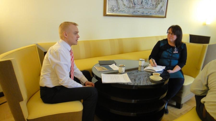 Tänään Hämeen Sanomien haastattelu lukion uudistamisesta. Juttu tullee varmastikin vasta ensi viikolla kun eduskuntaryhmämme julkaisee Raija Vahasalon ja minun raportin lukion uudistamisen suuntaviivoista.