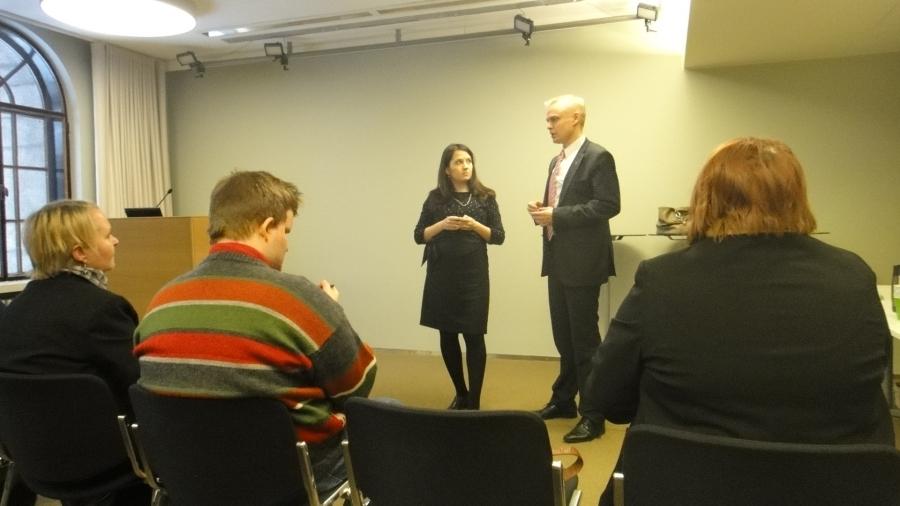 Ja ennen ryhmäkokousta Sannin ja minun vieraana kävi myös ryhmä päijät-hämäläisiä Sari Kääpän johdolla.