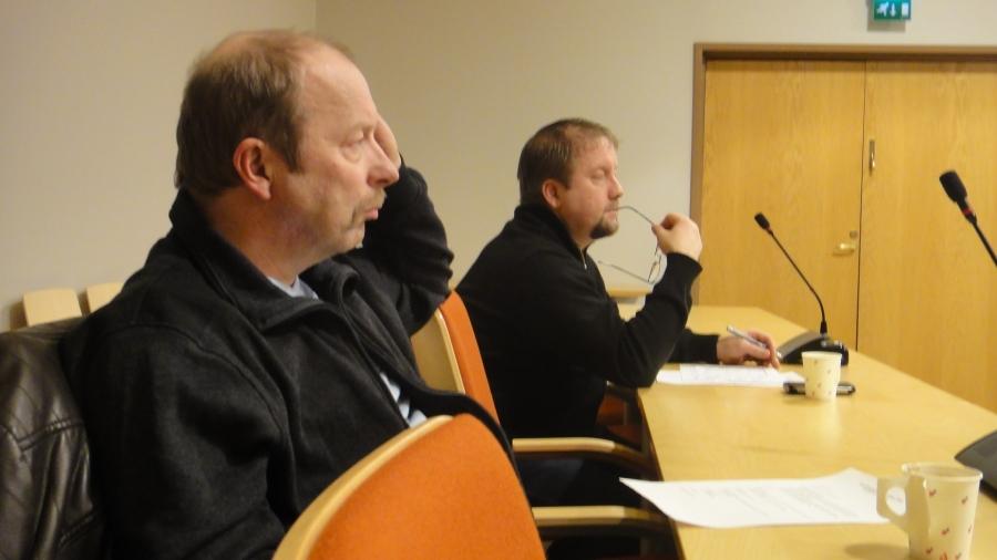 Ja Jarmo Laukkanen ja Kari Maunula ideoimassa tulevaa.