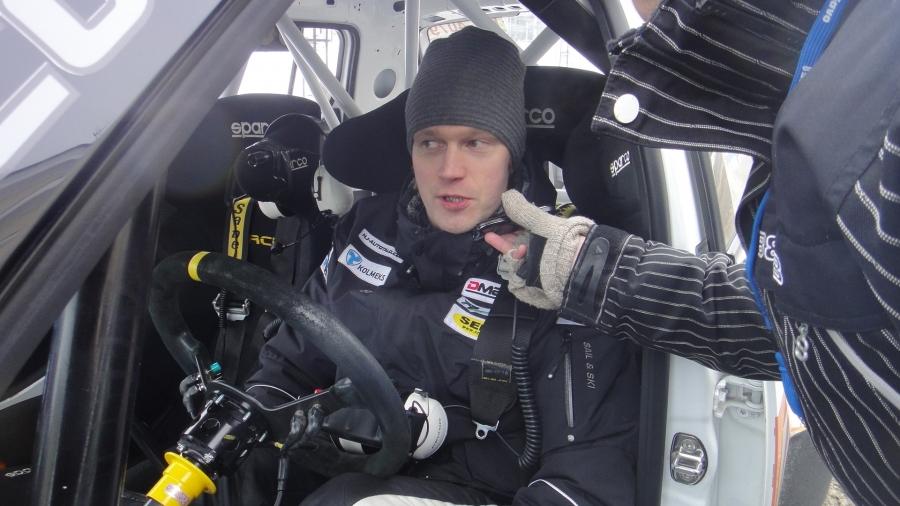 Mikkelin Jari Ketomaa lähti toiseen kilpailupäivään johtopaikalta, mutta joutui lopulta taipumaan kovassa seurassa neljänneksi.