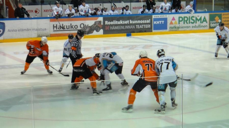 Ritari Areenalla tänään 3.3.2013 A:n HPK-Pelicans. Lahteen voitto tiukan ottelun jälkeen 0-1.