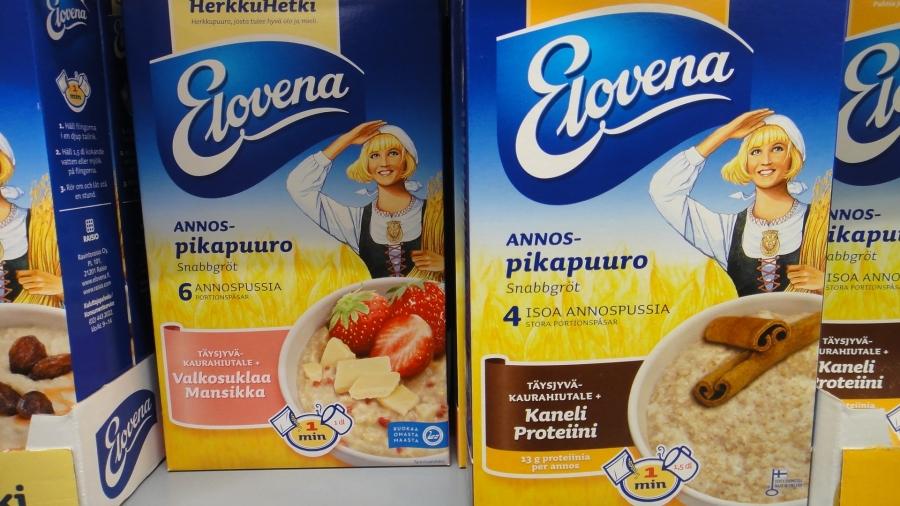 Ja tässä esimerkki pakettien pienistä eroista. Kumpi on suomalaista? No vasemmalla on suomalaista ja oikeanpuoleisessa onkin Joutsenlippu korvattu vain suomalaisesta työstä kertovalla Avainlipulla. Hieman ehkä hämäävää.