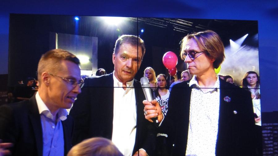 Presidentti Sauli Niinistö oli vahvasti mukana illassa ja ennen muuta nuorten kanssa. Ja mukana myös suurella panoksella ministeri Alexander Stubb.
