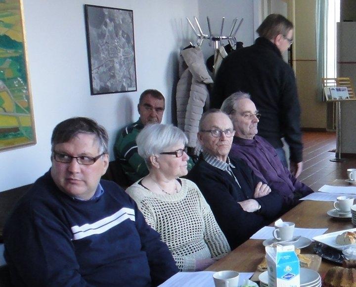 Ja muutama kuva myös kokouksesta Turvantalolta.