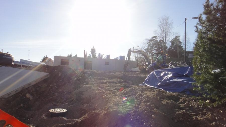 Ja uusi esiopetustalo rakentuu myös kovaa vauhtia koulukeskuksen alueelle. Talon on tarkoitus olla valmis jo tulevana syksynä.