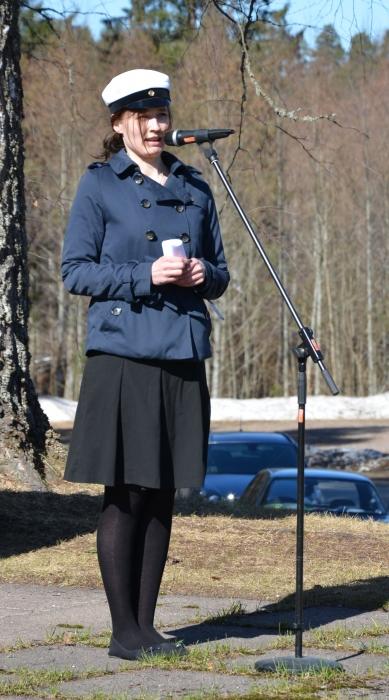 Kunnanhallituksen varapuheenjohtaja, Lopen Kokoomuksen sihteeri Tiina Seppälä vastasi tapahtuman avauspuheesta ja myös juontamisesta. Tiina toi vahvasti esille sen, että tapahtuman sydämenä sykkii vahvasti rakkaus omaan kotikuntaan ja sen historiaa, nykypäivään ja tulevaisuuteen.