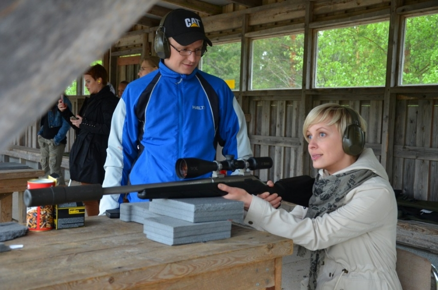 Ja kivääripisteellä kouluttajina ja opettajina toimivat Santeri Nousiainen ja Kari Kuparinen.