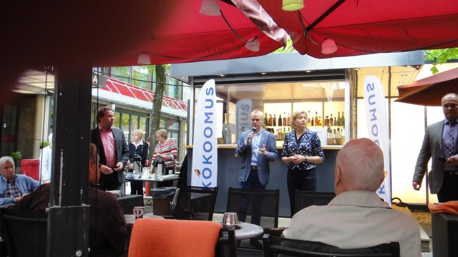 Tilaisuuden juonsi kuvassa oikealla näkyvä Keijo Suomalainen. Erittäin hyviä kysymyksiä, tiukkaa palautetta ja vastaväitteitäkin oli tänään yleisöltä tarjolla. Ja sitä halusimmekin. Avointa ja hyvää keskustelua.