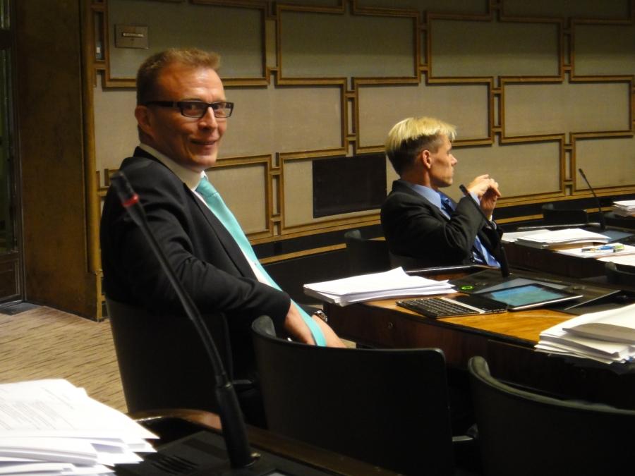 Ja Jukka Kopra ja Pauli Kiuru olivat myös pitkään iltaan mukana.
