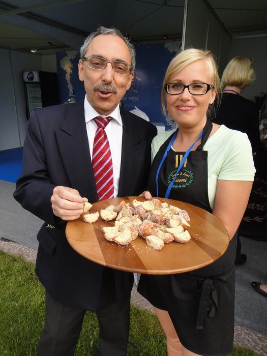 Piipahdimme illansuussa Benin kanssa myös Kakku Keisarin vieraina taste of Helsinki -tapahtumassa.