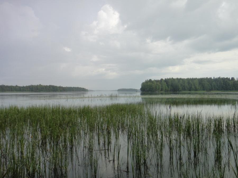 Ja tänne sitten Itusaaren ja Isosaaren puolelle Papin Kanava oikaiseen läpi Saukonnokan.