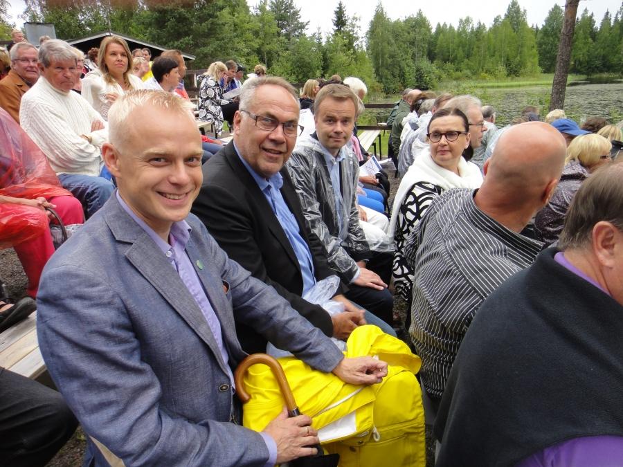 Vieraana oli tänään puolueemme varapuheenjohtaja ja kollegani Janne Sankelo Pohjanmaalta. Ja vieressä Lahden kaupunginhallituksen puheenjohtaja Ilkka Viljanen. Ja Janne Sankelon vieressä oikealla Merja Vahter.