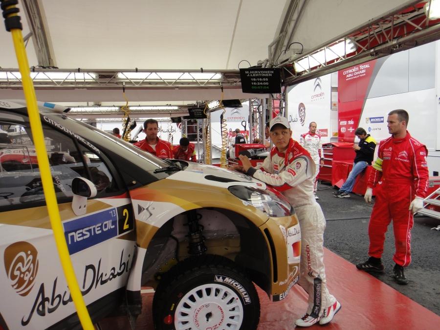 Neste Oil Rally 2013 siis käynnistyi tänään... Aika-ajo jo takana ja huomenna sitten alkaa tosimeno. Neljä päivää selostetaan ja juonnetaan.
