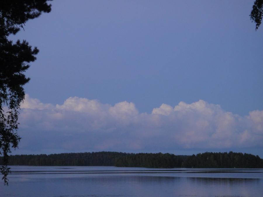 Loppijärvi klo 22.21. Kaunista.