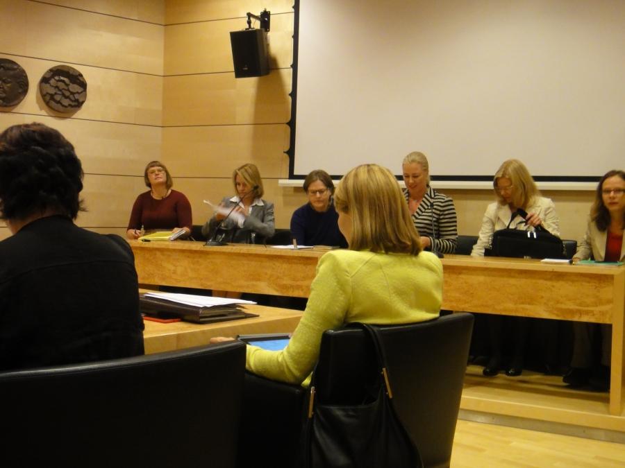 Tämän päivän ulkoasiainvaliokunnan kokouksessa kuultavana mm. ministerit Jutta Urpilainen ja Heidi Hautala.
