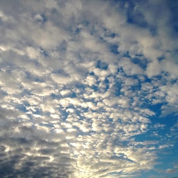 Ja pitkän kokouspäivän jälkeen piipahdin vielä Riihimäellä. Näin upea Kormun taivas vastassa kotimatkalla.