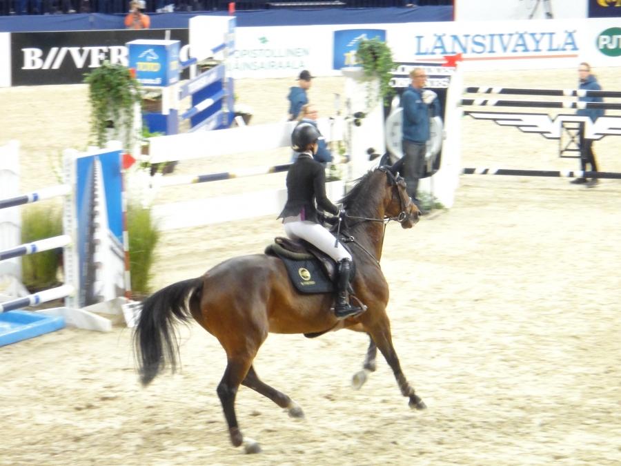Anna-Julia Kontio Helsinki International Horse Show radalla tänään 19.10.2013.