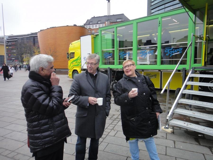 Sirpa Pieitikäinen on tehnyt pitkän poliittisen uran niin kansanedustaja kuin nyt europarlamentaarikkonakin. Sirpa edelleen mukana vaaleissa.