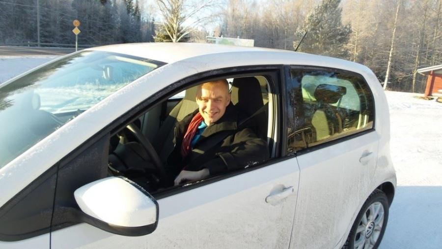 Koeajossa VW Eco-Up 5-ovinen. 1000 kuutiota, 3 sylinteriä, 68 hv. EU-yhdistetty kulutus 2,9 kiloa maakaasua sadalla. Kuva: Kare Asp.
