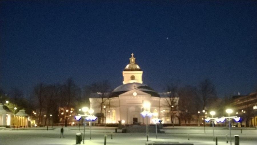 Kaunista Hämeenlinnassa tänäänkin. Työpäivä illalla päätökseen ja kotia kohti.