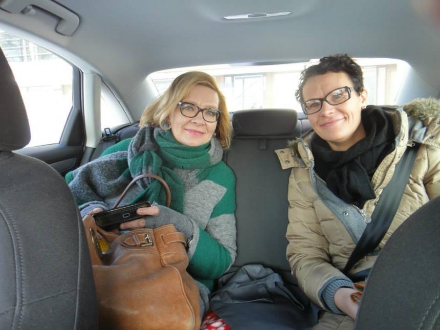 Ja näin sitä tänään aamusta mentiin. Minä kuskina ja kunnanjohtajamme Karoliina Viitanen ja sosiaali- ja terveysministeri Paula Risikko auton takapenkillä pitämässä sote-palaveria. Tehokasta.
