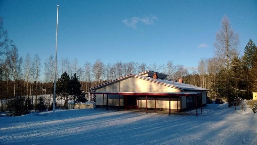 Ja kolmas koulu tänään oli Pilpalan Koulu. Yksi upeimmista kyläkouluistamme kauniin järven rannalla.