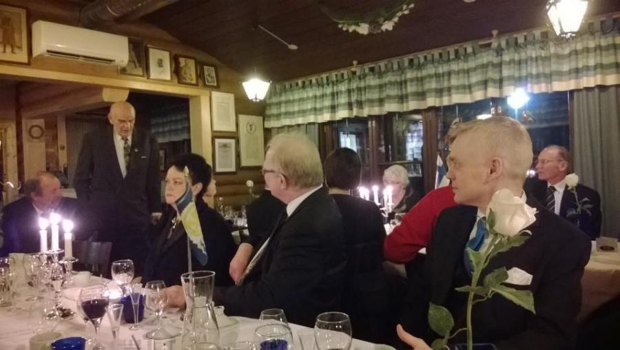 Ja tässä Lopen Kokoomuksen kunniapuheenjohtaja Raimo Rajaoja muistelee pitkää kunnallispoliittista aikaansa Lopen johtotehtävissä.